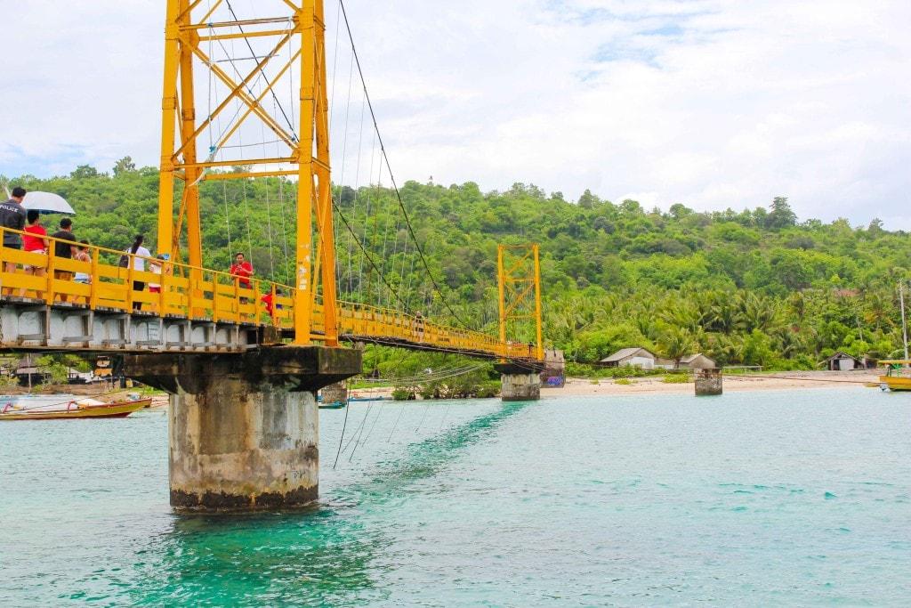 Nusa Yellow Bridge